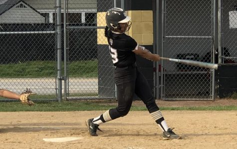 Softball, Now 18-3, Heads into Home Stretch